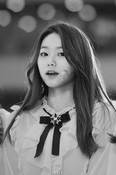Kang Mina (Gugudan)