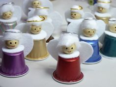 Znalezione obrazy dla zapytania manualidades con capsulas nespresso paso a paso Christmas Angel Ornaments, Santa Ornaments, Kids Christmas, K Cup Crafts, Christmas Crafts, Christmas Decorations, Diy Angels, Coffee Pods, Europe