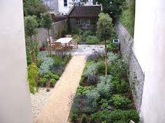 31 Ideas For Long Narrow Patio Ideas Garden Design Narrow Backyard Ideas, Small Yard Landscaping, Narrow Garden, Back Garden Design, Modern Garden Design, Patio Design, Back Gardens, Small Gardens, Outdoor Gardens