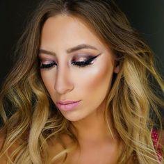 Tonights Look    lights GLAMOUR action (@lightsglamouraction) #anastasiabeverlyhills #mac #maccosmetics #nyx #morphebrushes #vegas_nay #norvina #dressyourface #wakeupandmakeup #hudabeauty #brian_champagne #makeup #mua #makeupartist #eyebrows #contour #lipstick #smokeyeye #motd#ootd #lotd #beauty #girl #selfie #instamakeup #makeupjunkie #makeupaddict #makeupartistsworldwide Anastasia Beverly Hills, Insta Makeup, Makeup Junkie, Huda Beauty, Makeup Addict, Nyx, Contour, Mac Cosmetics, Eyebrows
