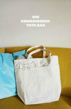 DIY: embroidered cat tote bag - gatico bordado, me da ideas ^^ Sacs Tote Bags, Diy Tote Bag, Diy Sac, Cat Bag, Handmade Bags, Bag Making, Diy Clothes, Purses And Bags, Quilting