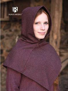 Capuchon Skjoldehamn à chevrons, en bordeaux - Le capuchon était porté dans le Haut Moyen Age. Il protège la tête, le cou et les épaules du froid et de la pluie.Il était porté par toutes les classes d...