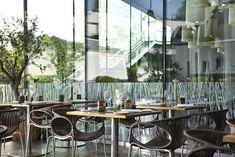 Plan your city centre escape at Renaissance Paris Arc de Triomphe Hotel. Renaissance, Triomphe, Le Chef, Paris Hotels, Welcome Decor, Outdoor Furniture Sets, Outdoor Decor, Hotel Deals, Front Desk