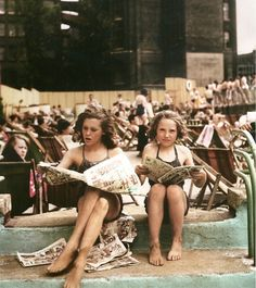 Photo of Girls Reading Comics at an Open Air Pool in London in 1956 scanned from the 2012 Summer Taschen catalog//Tomboy Style