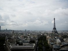 A moody skyline shot of Paris. Google Image Result for http://www.wallpapersforvista.com/images/wallpapers/Paris%2520Skyline1184459090-800x600.jpg