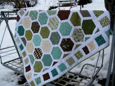 Honeycomb quilt! I finally found a hexi quilt with good instructions! Yay