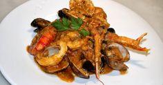 """En aquest blog ja hem vist com fer una """" Sarsuela de peix i marisc amb suquet """" , que és una recepta de tradició familiar.  La que us prese..."""
