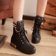 Special Top deal-Sneakers Flat Heel Sneakers (black,white)