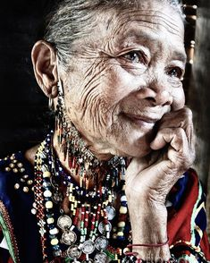 """Christel Kerklaan on Instagram: """"This is what it must be like to age gracefully. Bagobo Tribal Woman, by photographer Jojie Alcantara (Philippines, 2012) . . .…"""" Anti Aging Tips, Anti Aging Skin Care, High Cheekbones, Tribal Women, Look Thinner, Square Faces, Tan Skin, Aging Gracefully, Face Shapes"""