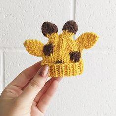 Innocent Big Knit Giraffe Hat pattern by Louise Walker - Baby Mütze Stricken Animal Knitting Patterns, Christmas Knitting Patterns, Crochet Patterns, Crochet Ideas, Knitting For Charity, Baby Hats Knitting, Free Knitting, Knitted Dolls, Knitted Hats