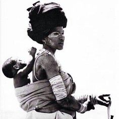 Africa mother and child African Children, African Women, African Art, African Tribes, African Style, African Culture, African History, Black Is Beautiful, Beautiful People
