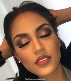 Daytime bronze smokey eye and red lip. Classy razzle dazzle… Daytime bronze smokey eye and red lip. Flawless Makeup, Gorgeous Makeup, Love Makeup, Skin Makeup, Makeup Tips, Makeup Looks, Makeup Ideas, Makeup Inspo, Makeup Eyebrows