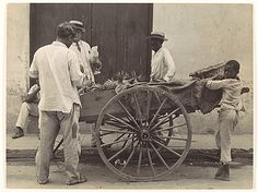 Walker Evans | Pineapple Vendor, Havana | 1933