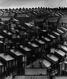 Bill Brandt Sky lightens over the suburbs, London, My grandma was born in London in I wonder where in the city this is. Bill Brandt Photography, Urban Photography, Street Photography, Film Photography, Cityscape Photography, Photography Magazine, Vintage London, Old London, London City