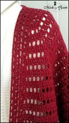 Ravelry: December Cardigan pattern by Made in Assen by Zilla van der Spoel Cardigan Pattern, Crochet Cardigan, Crochet Top, Crochet Vests, December, Ravelry, Knitted Hats, Projects To Try, Knitting