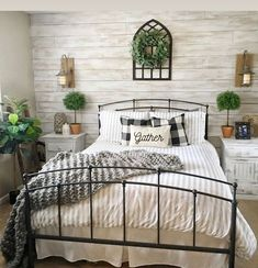 28 Wonderful Farmhouse Bedroom Decor Ideas And Makeover. If you are looking for Farmhouse Bedroom Decor Ideas And Makeover, You come to the right place. Below are the Farmhouse Bedroom Decor Ideas An. Farmhouse Style Bedrooms, Farmhouse Master Bedroom, Home Bedroom, Farmhouse Decor, Farmhouse Ideas, Modern Bedroom, White Rustic Bedroom, Rustic Decor, Cottage Bedroom Decor