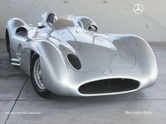Full bodies Mercedes-Benz Silver Arrow