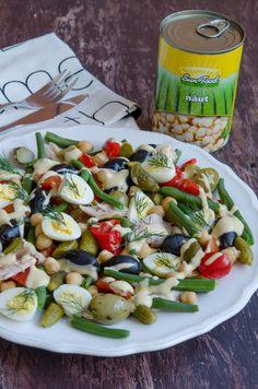 Salata cu naut si pui - Din secretele bucătăriei chinezești Caprese Salad, Pasta Salad, Ethnic Recipes, Food, Salads, Crab Pasta Salad, Essen, Meals, Yemek