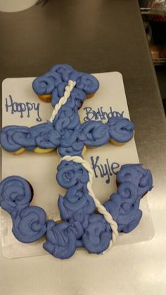 "Anchor Pullapart cake perfect for any age and any amount of cupcakes. ""AHOY"""