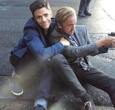 Grant Gustin and Tom Felton on set of the Flash season 3