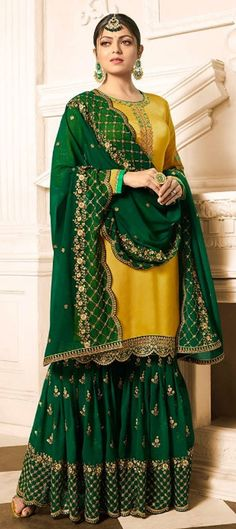 Party wear salwar kameez: shop latest and new Indian ladies readymade designer cotton partywear salwar suits for women at Lashkaraa. We can ship to USA, UK and Canada. Latest Punjabi Suits, Pakistani Suits, Indian Suits, Pakistani Dresses, Indian Dresses, Indian Wear, Pakistani Bridal, Bridal Lehenga, Indian Bridal