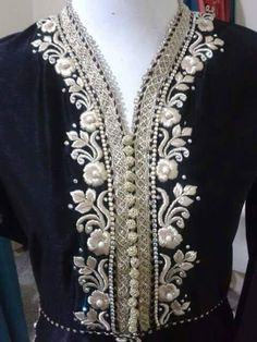 Haute spot for Indian Outfits. Embroidery On Kurtis, Kurti Embroidery Design, Embroidery Suits, Beaded Embroidery, Kurta Designs, Blouse Designs, Moroccan Dress, Caftan Dress, Fashion Outfits