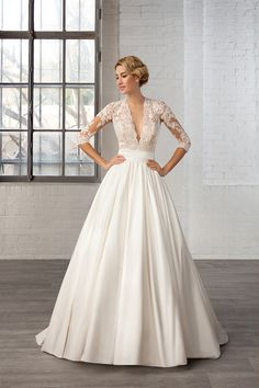 Robe de mariage : Win a Wedding Dress from the Cosmobella 2016 Collection 2016 Wedding Dresses, Wedding Dress Styles, Designer Wedding Dresses, Bridal Dresses, Prom Dresses, Dresses 2016, Dress Wedding, Bridesmaid Dresses, Tulle Wedding