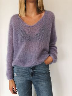 The Cumulus Blouse is worked from the top down in stockinette stitch with two strands of thin mohair/silk yarn held together throughout. Sweater Knitting Patterns, Knitting Designs, Knit Patterns, Sewing Patterns, Knitting Sweaters, Women's Sweaters, Blouse Patterns, Winter Sweaters, Sweater Weather