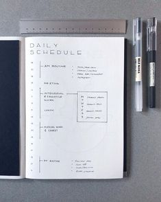 35 Minimalist Bullet Journal Spreads You Have To Try Right Now - - Simple, Beautiful and Minimalist Bullet Journal Weekly Spreads/Layouts you need to try right now. Bullet Journal Simple, Bullet Journal Weekly Spread Layout, Minimalist Bullet Journal Layout, Bullet Journal Spreads, Daily Bullet Journal, Bullet Journal Notebook, Bullet Journal Aesthetic, Bullet Journal School, Bullet Journal Ideas Pages