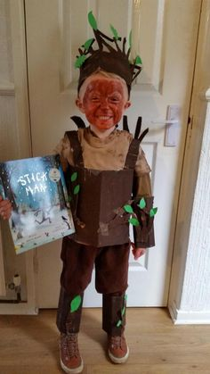 World Book Day Costumes Stick Man.love this idea! Career Apparel: Dress for Success Ever wondered Book Costumes, World Book Day Costumes, Book Week Costume, Diy Costumes, Costume Ideas, Fancy Dress For Kids, Kids Dress Up, Gruffalo Costume, Storybook Character Costumes