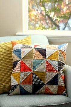Sewing Pillows Fast Fall half-square triangle pillow project - A couple of new projects made with a fall color palette. Sewing Pillows, Diy Pillows, Throw Pillows, Triangle Pillow, Half Square Triangle Quilts, Fall Sewing Projects, Quilting Projects, Patchwork Pillow, Quilted Pillow