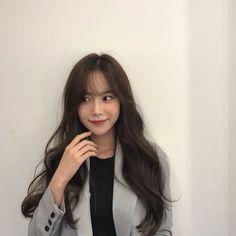 Brown Hair Korean, Asian Hair, Korean Hair, Girl Haircuts, Girl Hairstyles, Light Bangs, Ulzzang Hair, Hair Looks, New Hair