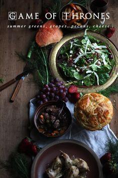 Game of Thrones: Hot Crab Pie Recipe Crab Pie Recipe, Game Of Thrones Food, Oxtail Soup, Crudite, Green Salad Recipes, Toasted Pecans, Pie Recipes, Party Recipes, Gastronomia