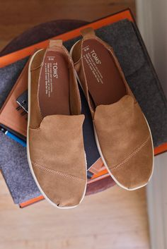 Toffee Suede Men's Deconstructed Classics from TOMS. With their minimal structure, heel pull tab and unlined suede material, these are designed to keep you comfortable all day long.