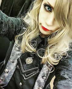 MiA (MEJIBRAY). OMG my daw litterally dropped when I saw this! For the 5th time in my life.