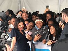 Selena Gomez with Fans in We Day California [April 19]  @selenagomez con Fans en #WeDay California [Abril 19]  #SelenaGomez #Selena #Selenator #Selenators #Fans
