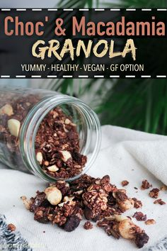 Vegan Chocolate & Macadamia Granola - Healthy & GF recipe at www.amelietahiti.com