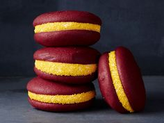 Washington Redskins : The red-velvet trend is a good thing for fans of this East Division team. Buy premade whoopie pies in the proper burgundy hue, then roll the edges in gold nonpareil sprinkles.