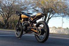 "Yamaha Virago 250 1997 by Matt Fuller | Reduced rake | One-off subframe & swingarm |18"" wheels | via BikerMetric.com"