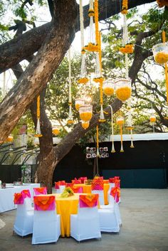 Simple and lively decoration ideas for haldi-mehendi ceremony, to make it more fun packed. These ideas will create the right ambiance for the function. Stage Decorations, Indian Wedding Decorations, Flower Decorations, Indian Weddings, Wedding Themes, Wedding Ideas, Trendy Wedding, Wedding Dresses, Wedding Events