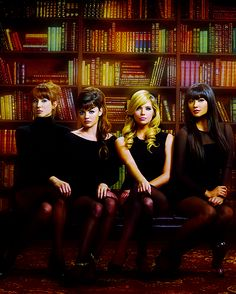 Pretty little liars this is awesome