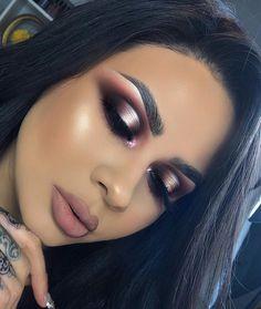 "Details.... @benefitcosmetics 24hr brow setter @anastasiabeverlyhills Dip Brow ""ebony"" @plouise_makeup_academy Base…"