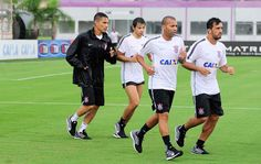 Timão compra 50% de Fagner, e Edilson assina contrato com o clube #globoesporte