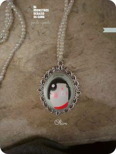 original necklaces handpainted and handmade. You can order worldwide hamonstrosdebaixodacama@gmail.com