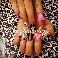 Duck feet nails, nail art, follow me on Instagram : @nailedbylexi