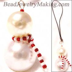 Holiday jewelry - Beaded Snowman - could easily use this for a necklace or earrings Beaded Christmas Ornaments, Christmas Earrings, Christmas Snowman, Christmas Decorations, Diy Snowman, Snowman Tree, Diy Ornaments, Felt Christmas, Glass Ornaments