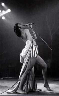 freddie mercury in ~ i remember this outfit as well. Queen Freddie Mercury, Beatles, Freddie Mecury, We Will Rock You, Somebody To Love, Queen Band, Brian May, John Deacon, Killer Queen