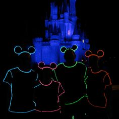 How to create Tron-style costumes for Mickey& Not So Scary Halloween Party Disney 2017, Run Disney, Disney Diy, Disney Crafts, Disney Love, Disney Magic, Disney Parks, Disney Bound, Disney Halloween Costumes