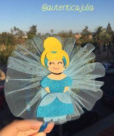 Silvia ya luce esta diadema con su princesa favorita... Diadema Cenicienta... 👑10€ Tweety, Fictional Characters, Art, Cinderella, Head Bands, Princesses, Kunst, Fantasy Characters, Art Education