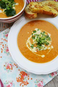 Heute habe ich eine meiner absoluten Lieblingssüppchen für euch. Diese Suppe könnte ich jede Woche essen, da sie einfach so gut ist. Auch mein Liebster löffelt da gerne ein paar Schälchen m…